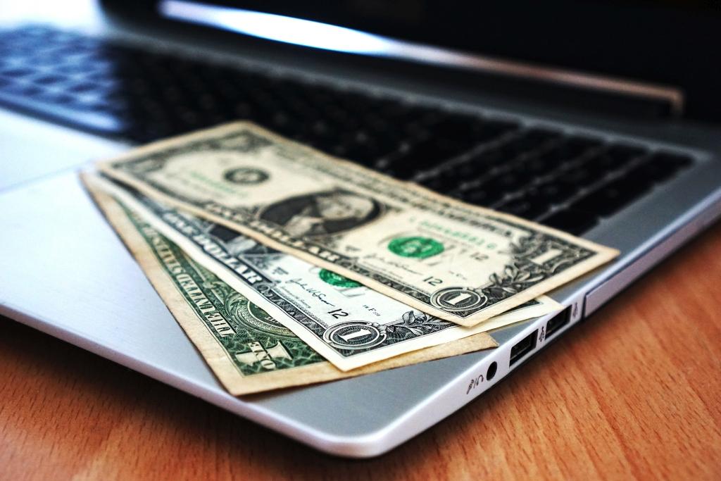 Kiedy warto zdecydować się na kredyty online